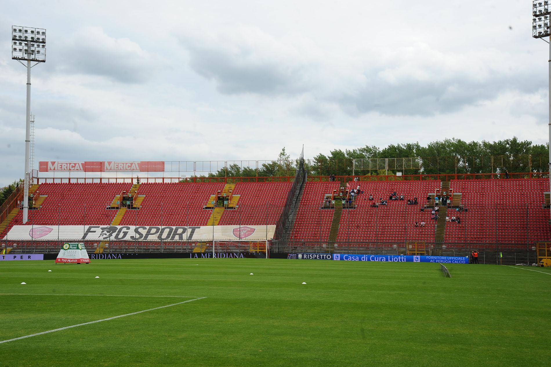 Calendario Alia Prato.Grifo E Stadio Curi C E Un Prato In Sofferenza Ecco